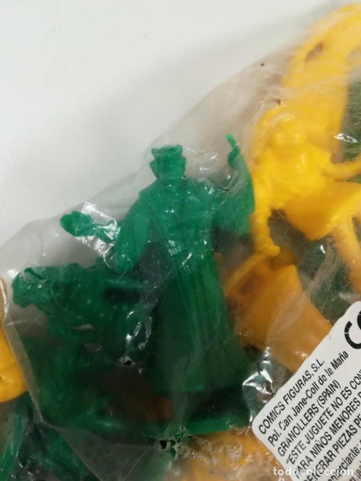 Figuras de Goma y PVC: Bolsa sin abrir 20 figuras El jorobado de notre dame años 90 COMICS SPAIN - Foto 3 - 162982833