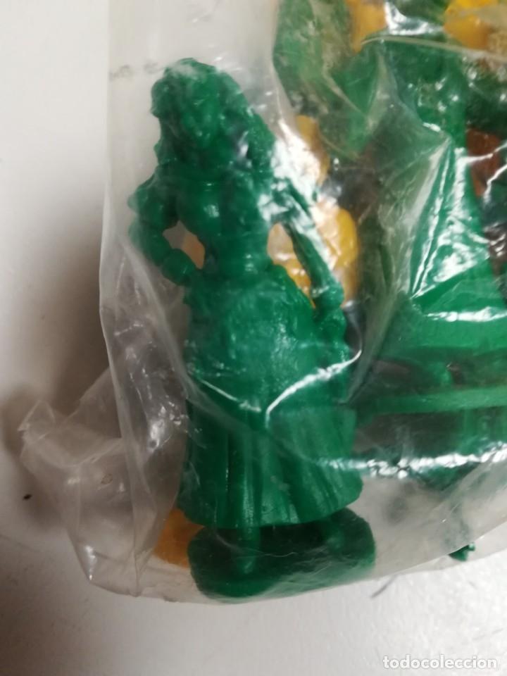 Figuras de Goma y PVC: Bolsa sin abrir 20 figuras El jorobado de notre dame años 90 COMICS SPAIN - Foto 5 - 162982833