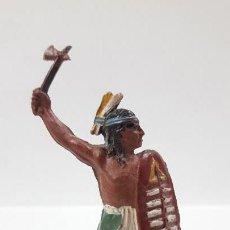 Figuras de Goma y PVC: GUERRERO INDIO . REALIZADO POR PECH . AÑOS 50 EN GOMA. Lote 163383018