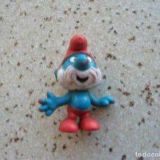 Figuras de Goma y PVC: FIGURA ANTIGUA DE GOMA PAPA PITUFO MIDE ,5 DE ALTO. Lote 163770466
