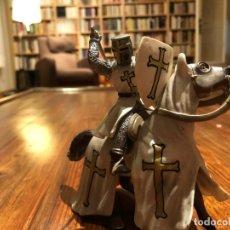 Figuras de Goma y PVC: CABALLERO TEMPLARIO A CABALLO. Lote 163393702