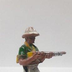 Figuras de Goma y PVC: EXPLORADOR - CAZADOR . REALIZADO POR LAFREDO . SERIE AFRICA MISTERIOSA . AÑOS 50 EN GOMA. Lote 165103338