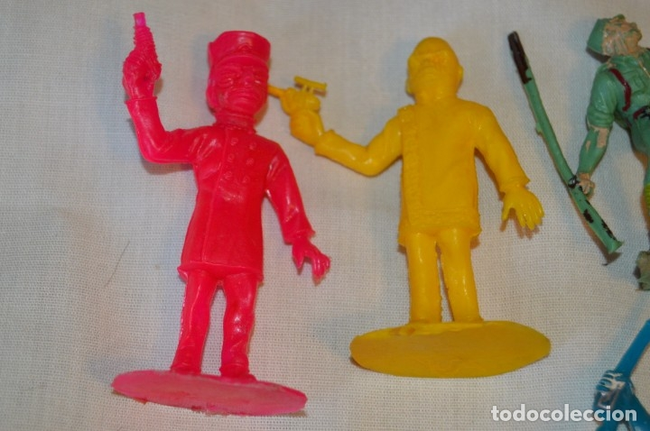 Figuras de Goma y PVC: LOTE DE SOLDADOS y FIGURAS VARIADAS - COMANSI , PECH y OTRAS - MADE IN SPAIN - VINTAGE - ¡MIRA! - Foto 5 - 165229937