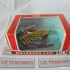 Figuras de Goma y PVC: ACCESORIO PARA TRACTOR BRITAINS LTD BUCK RAKE. Lote 165485762