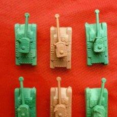 Figuras de Goma y PVC: 9 FIGURAS PLASTICO MINIATURA PREMIUM COMBATE (AÑOS 70) 3 SOLDADOS Y 6 TANQUES BODY MONTAPLEX -KIOSCO. Lote 165689438