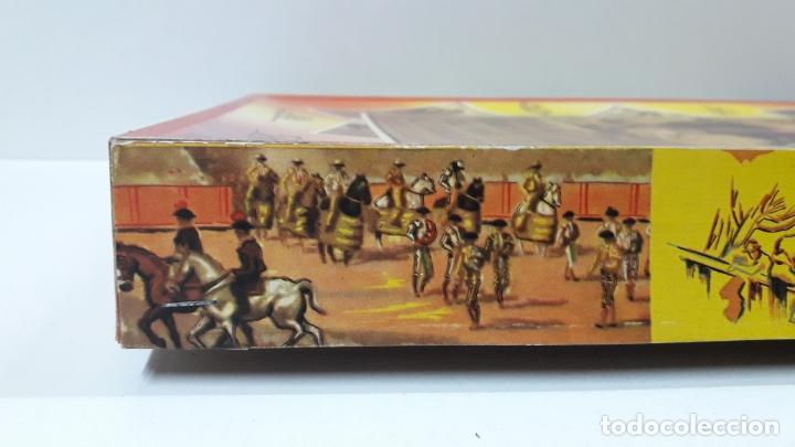 Figuras de Goma y PVC: CAJA ORIGINAL DE TOREROS Y TOROS . REALIZADA POR PECH . AÑOS 60 - Foto 5 - 165709130