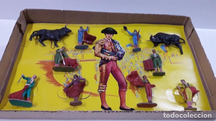 Figuras de Goma y PVC: CAJA ORIGINAL DE TOREROS Y TOROS . REALIZADA POR PECH . AÑOS 60 - Foto 19 - 165709130