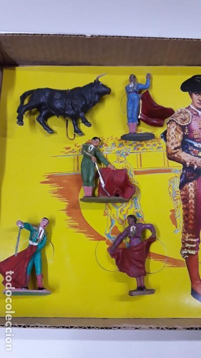 Figuras de Goma y PVC: CAJA ORIGINAL DE TOREROS Y TOROS . REALIZADA POR PECH . AÑOS 60 - Foto 20 - 165709130