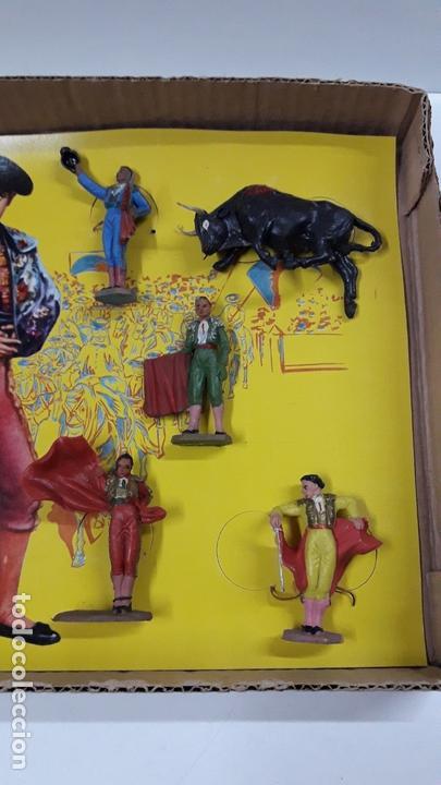 Figuras de Goma y PVC: CAJA ORIGINAL DE TOREROS Y TOROS . REALIZADA POR PECH . AÑOS 60 - Foto 21 - 165709130