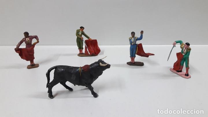 Figuras de Goma y PVC: CAJA ORIGINAL DE TOREROS Y TOROS . REALIZADA POR PECH . AÑOS 60 - Foto 22 - 165709130