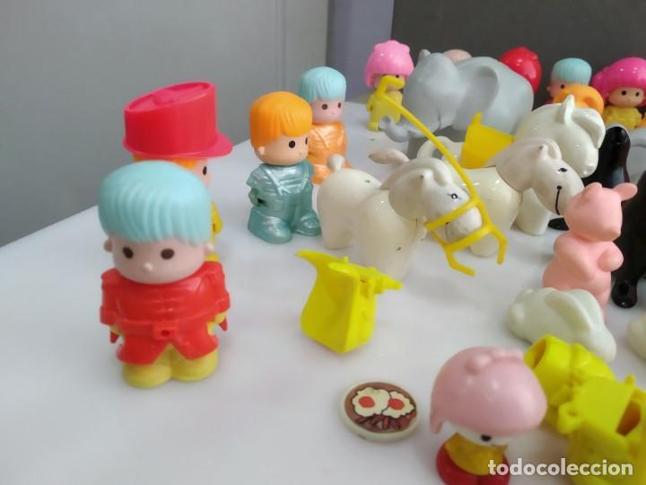 Figuras de Goma y PVC: ANTIGUOS MUÑECOS LOTE DE PIN Y PON DE FAMOSA - Foto 2 - 165940230