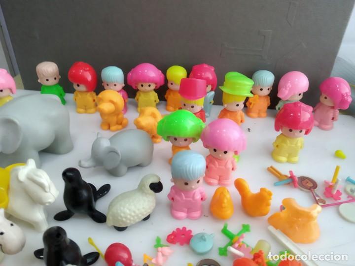 Figuras de Goma y PVC: ANTIGUOS MUÑECOS LOTE DE PIN Y PON DE FAMOSA - Foto 6 - 165940230