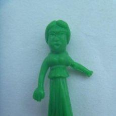 Figuras de Goma y PVC: FIGURA DE DUNKIN DE ASTERIX : MUJER GALA . DETRAS PONE UDERZO 70. Lote 166059022