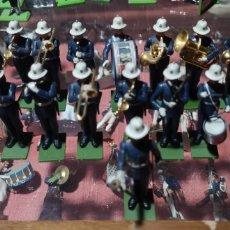 Figuras de Goma y PVC: CONJUNTO DE 18 SOLDADOS DE PLÁSTICO O GOMA DE LA MARCA BRITAINS. Lote 166304552