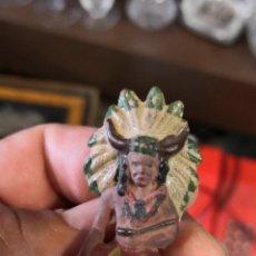 Figuras de Goma y PVC: JEFE INDIO SENTADO DE REAMSA , EN GOMA , AÑOS 50/60. Lote 166371018