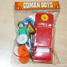 Figuras de Goma y PVC: COMANSI COMAN BOYS FIGURA MECANICO GASOLINERO ESSO + FIAT 128 RALLY NOVOLINEA COMANBOYS AÑOS 80. Lote 187220783