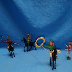 Figuras de Goma y PVC: LOTE MUÑECOS INDIOS Y VAQUEROS COMANSI, PINTADOS A MANO. Lote 166437402