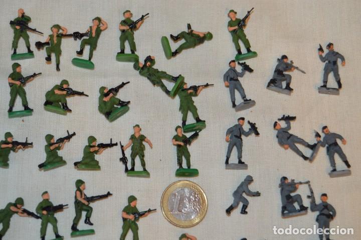 Figuras de Goma y PVC: Sobre 70 FIGURAS / MILITARES - Soldados tamaño similar MONTAPLEX - Sin identificar marca - Años 60 - Foto 3 - 166505898