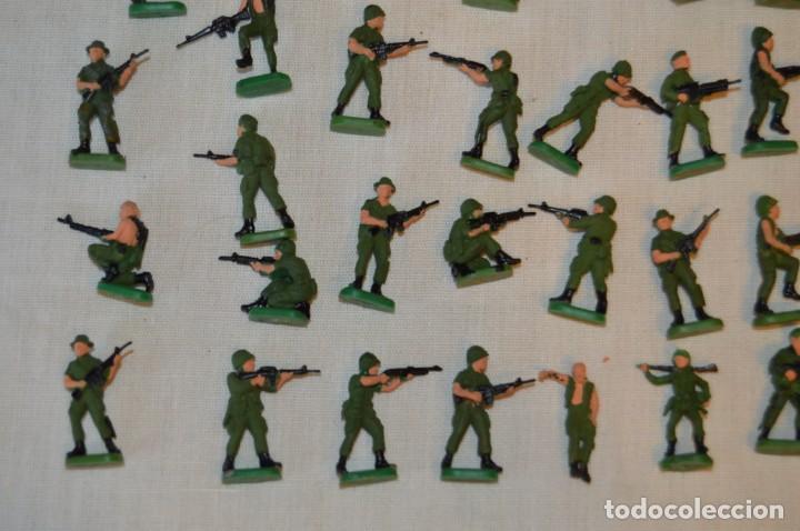 Figuras de Goma y PVC: Sobre 70 FIGURAS / MILITARES - Soldados tamaño similar MONTAPLEX - Sin identificar marca - Años 60 - Foto 4 - 166505898