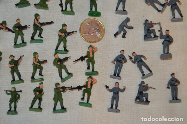 Figuras de Goma y PVC: Sobre 70 FIGURAS / MILITARES - Soldados tamaño similar MONTAPLEX - Sin identificar marca - Años 60 - Foto 5 - 166505898