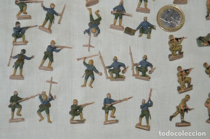 Figuras de Goma y PVC: Sobre 68 FIGURAS / MILITARES - Soldados tamaño similar MONTAPLEX - Sin identificar marca - Años 60 - Foto 4 - 166507602