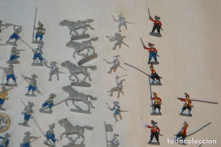Figuras de Goma y PVC: Sobre 65 FIGURAS / MILITARES - Soldados tamaño similar MONTAPLEX - Sin identificar marca Años 60 - Foto 4 - 166555694