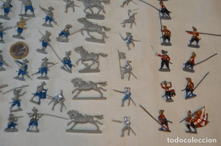 Figuras de Goma y PVC: Sobre 65 FIGURAS / MILITARES - Soldados tamaño similar MONTAPLEX - Sin identificar marca Años 60 - Foto 5 - 166555694