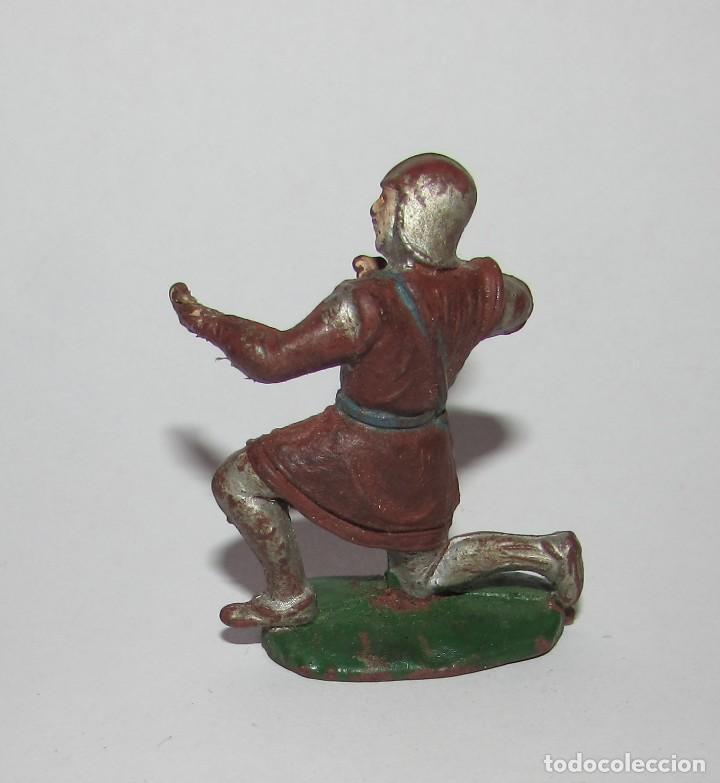 Figuras de Goma y PVC: MEDIEVAL CON BALLESTA RODILLA EN EL SUELO - FIGURA PECH AÑOS 60 ORIGINAL - Foto 4 - 166613306