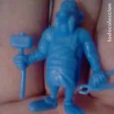 Figuras de Goma y PVC: ESAUTOMATIX ASTERIX DUNKIN FIGURA MONOCROMO AZUL CHICLES O PREMIO PASTELITOS *. Lote 166832550