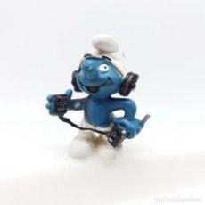 Figuras de Goma y PVC: PITUFO RADIOAFICIONADO OPERADOR DE RADIO DE SCHLEICH. Lote 229715240