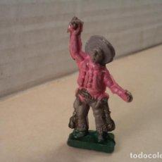 Figuras de Goma y PVC: FIGURA DE GOMA VAQUERO ALCALÁ-CAPELL. Lote 167149332