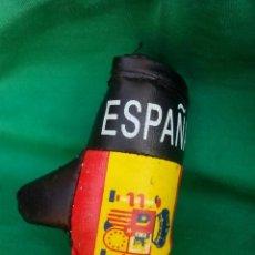 Figuras de Goma y PVC: ACCESORIO PARA COCHE GUANTE DE BOXEO DE ESPAÑA. Lote 167174568