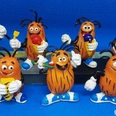 Figuras de Goma y PVC: FAMILIA COMPLETA PVC CASIMIRO YOLANDA. Lote 167277080