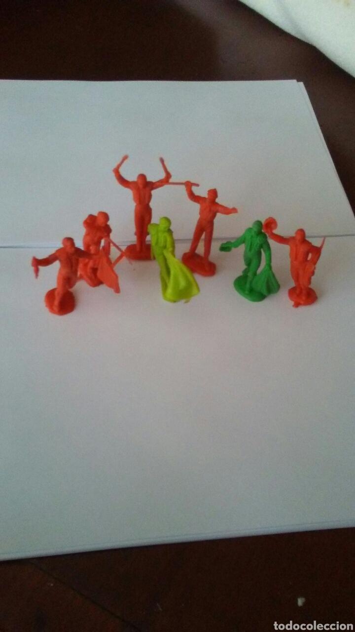 LOTE DE 7 FIGURAS TOREROS AÑOS 60 . (Juguetes - Figuras de Goma y Pvc - Pech)