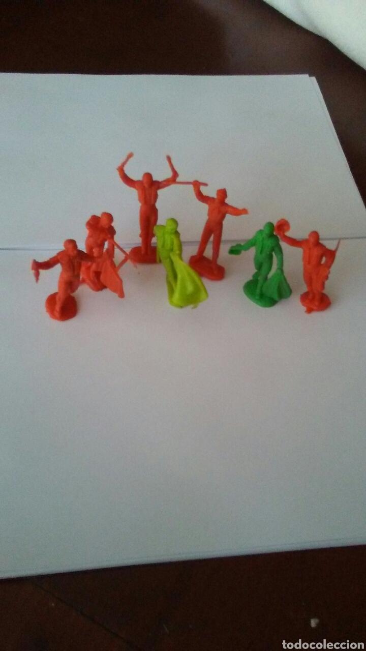 Figuras de Goma y PVC: Lote de 7 figuras toreros años 60 . - Foto 2 - 167478232