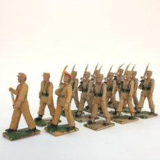 Figuras de Goma y PVC: REAMSA GOMARSA SOLDADOS 12 FIGURAS DESFILE MILITAR REGULARES DE MELILLA EN GOMA. Lote 167553885