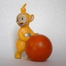 Figuras de Goma y PVC: FIGURA EN GOMA - TELETUBBIES TELETUBBIE - BULLYLAND 1996. Lote 167597720