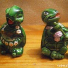 Figuras de Goma y PVC: 2 TORTUGAS AÑOS 80 90. Lote 167712444