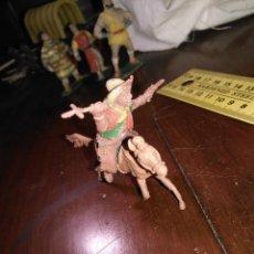 Figuras de Goma y PVC: MUÑECO FIGURA GOMA INDIO OESTE BAQUERO CABALLO CAPITAN TRUENO / JABATO COMANSI / O SIMILAR VER FOTO. Lote 167907769