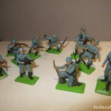 Figuras de Borracha e PVC: BRITAINS LOTE DE 10 SOLDADOS ALEMANES 1971 EN MUY BUEN ESTADO,REGALADOS. Lote 167994976