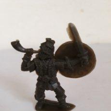 Figuras de Goma y PVC: FIGURA VIKINGO PLASTICO PIPERO. Lote 168195337
