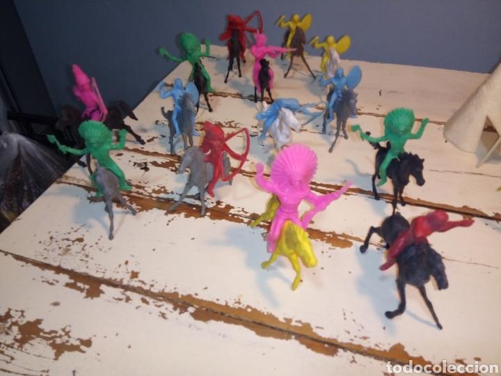 Figuras de Goma y PVC: Indios a caballo,a pie y tipis ¿comansi?(años 70) - Foto 8 - 168276418