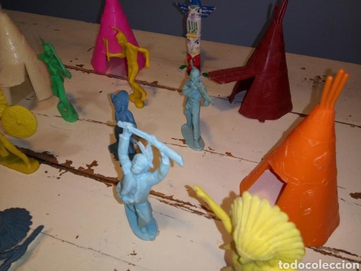 Figuras de Goma y PVC: Indios a caballo,a pie y tipis ¿comansi?(años 70) - Foto 12 - 168276418