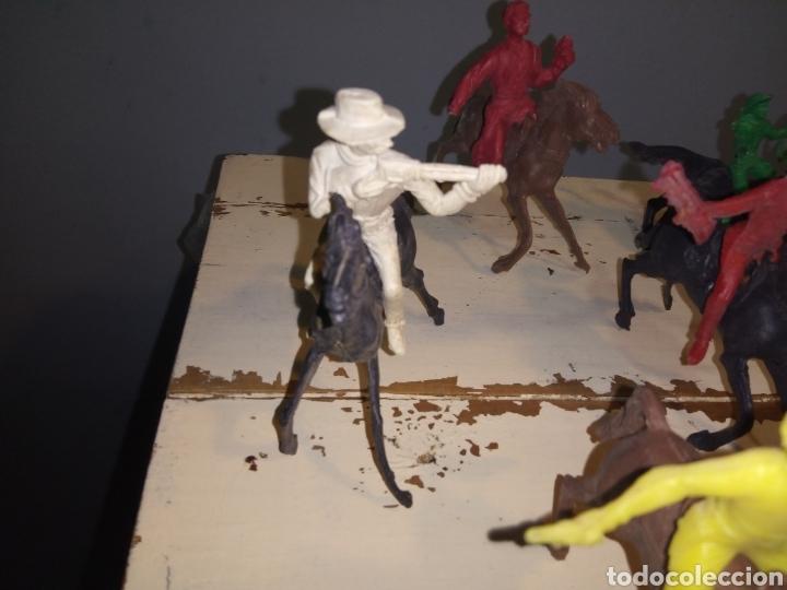 Figuras de Goma y PVC: Fuerte (fort apache), vaqueros a pie y a caballo ¿comansi?(años 70) - Foto 3 - 168286488