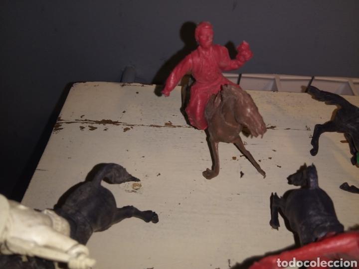 Figuras de Goma y PVC: Fuerte (fort apache), vaqueros a pie y a caballo ¿comansi?(años 70) - Foto 4 - 168286488