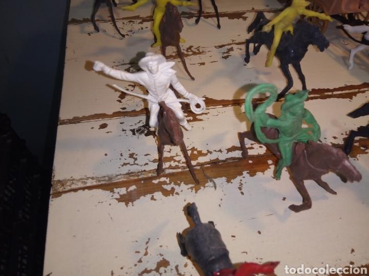Figuras de Goma y PVC: Fuerte (fort apache), vaqueros a pie y a caballo ¿comansi?(años 70) - Foto 5 - 168286488