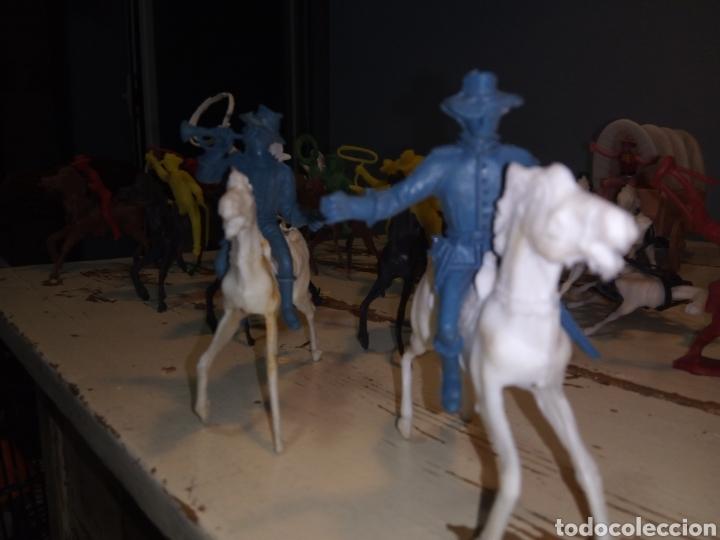 Figuras de Goma y PVC: Fuerte (fort apache), vaqueros a pie y a caballo ¿comansi?(años 70) - Foto 8 - 168286488