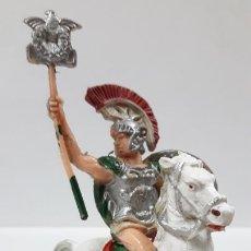 Figuras de Goma y PVC: LEGIONARIO ROMANO CON ESTANDARTE A CABALLO . REALIZADO POR LAFREDO . AÑOS 60. Lote 168426760