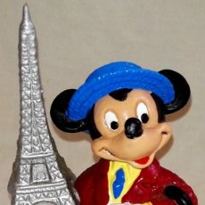 Figuras de Goma y PVC: FIGURA DE GOMA - BULLYLAND - MICKEY MOUSE PARISINO - TORRE EIFFEL. Lote 168485056