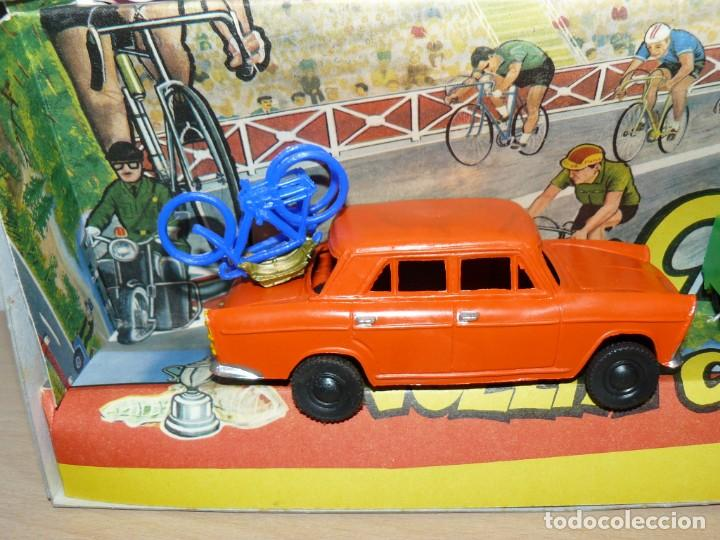 Figuras de Goma y PVC: Caja Vuelta Ciclista Mariano Sotorres FIRMADA por Roberto HERAS y Manolo SAIZ en el 2006 Tour Giro - Foto 8 - 168609500